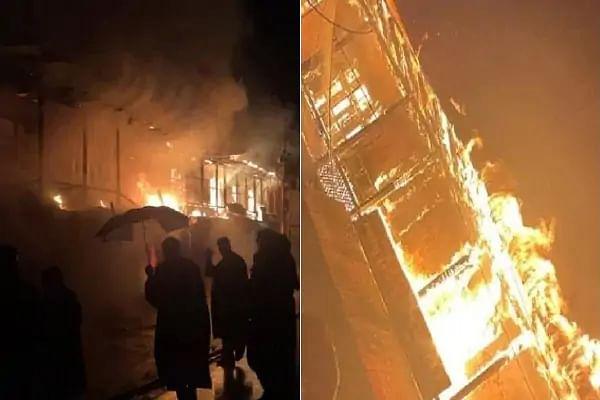 उत्तरी कश्मीर के बारामूला में आग ने मचाया भीषण तांडव, जली 20 दुकानें