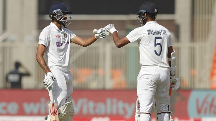 क्रिकेट: सुंदर और अक्षर की शतकीय साझेदारी ने भारत को मजबूत बढ़त दिलाई थी