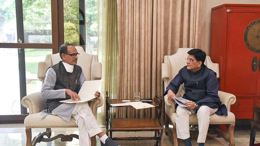 रेल मंत्री गोयल से CM शिवराज ने की मुलाकात, कई विषयों को लेकर हुई चर्चा
