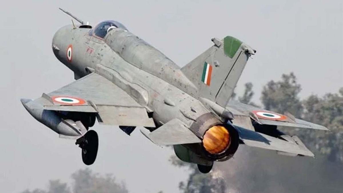IAF का मिग 21 बाइसन विमान दुर्घटनाग्रस्त- सेना के ग्रुप कैप्टन की मौत