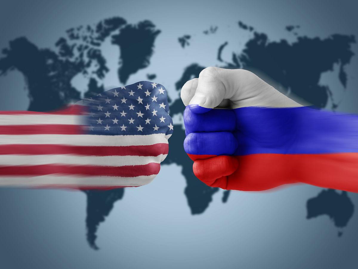रूस पर प्रतिबंध लगाने की घोषणा कर सकता है अमेरिका : रिपोर्ट