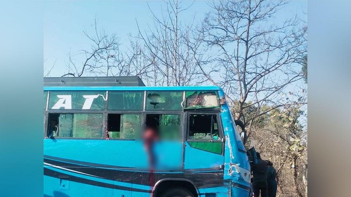 दिल दहलाने वाला हादसा: बस की खिड़की से झांक रही बालिका का ट्रक ने उड़ाया सिर