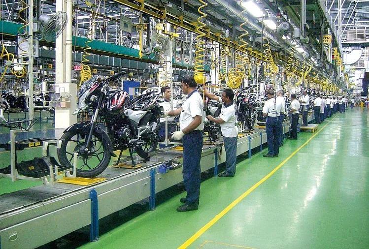 Bajaj कंपनी ने फरवरी की बिक्री में दर्ज की 7% की बढ़त
