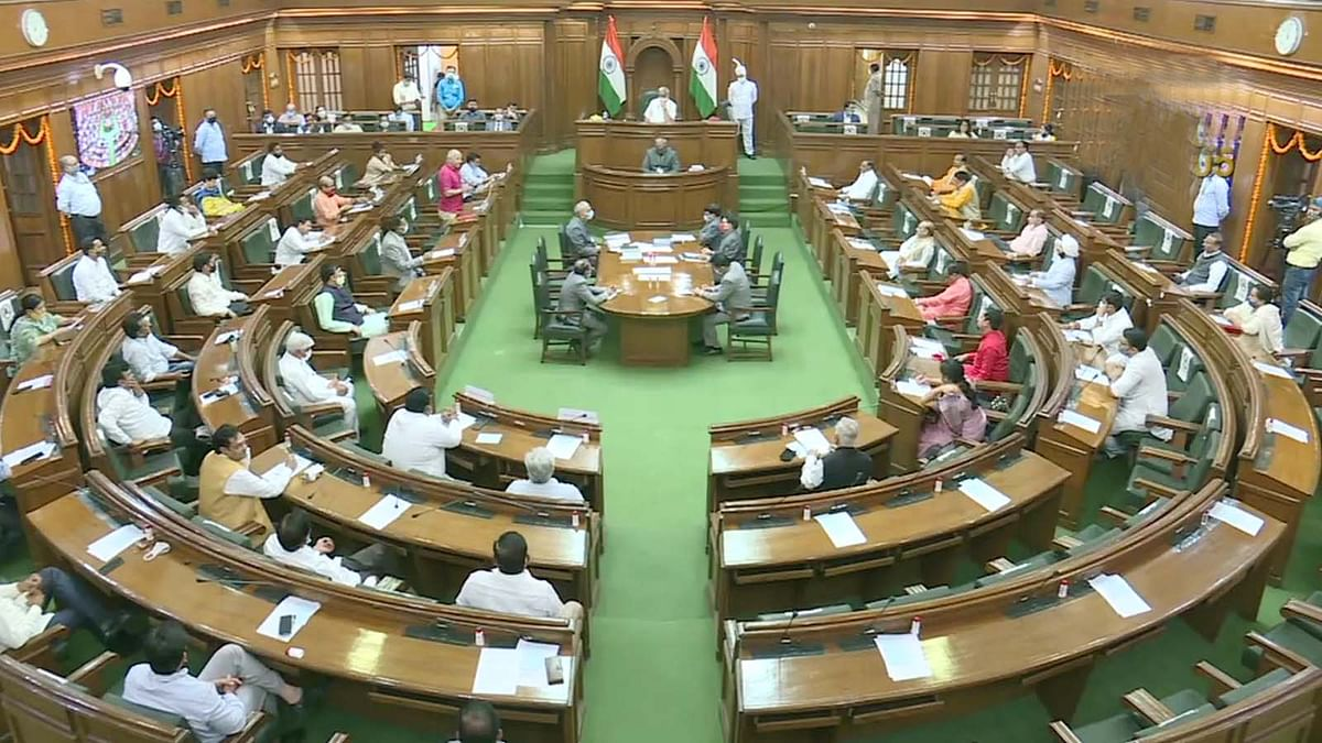 दिल्ली विधानसभा में पेश हुआ केजरीवाल का देशभक्ति वाला बजट