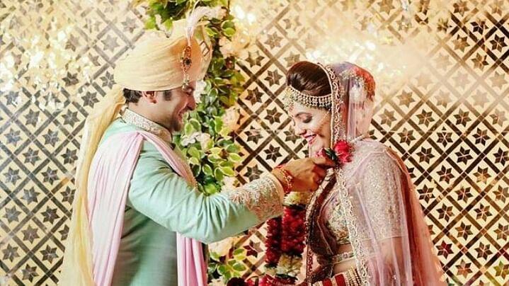 शादी के बंधन में बंधे सुगंधा और संकेत, सामने आई शादी की पहली तस्वीर