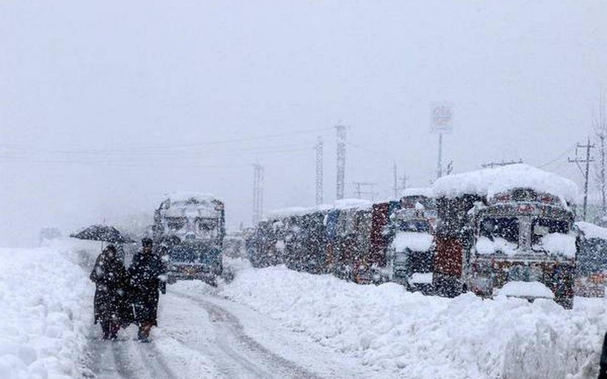 लद्दाख का कश्मीर से संपर्क टूटा,करगिल व जम्मू कश्मीर के बीच 4 उडाने संचालित