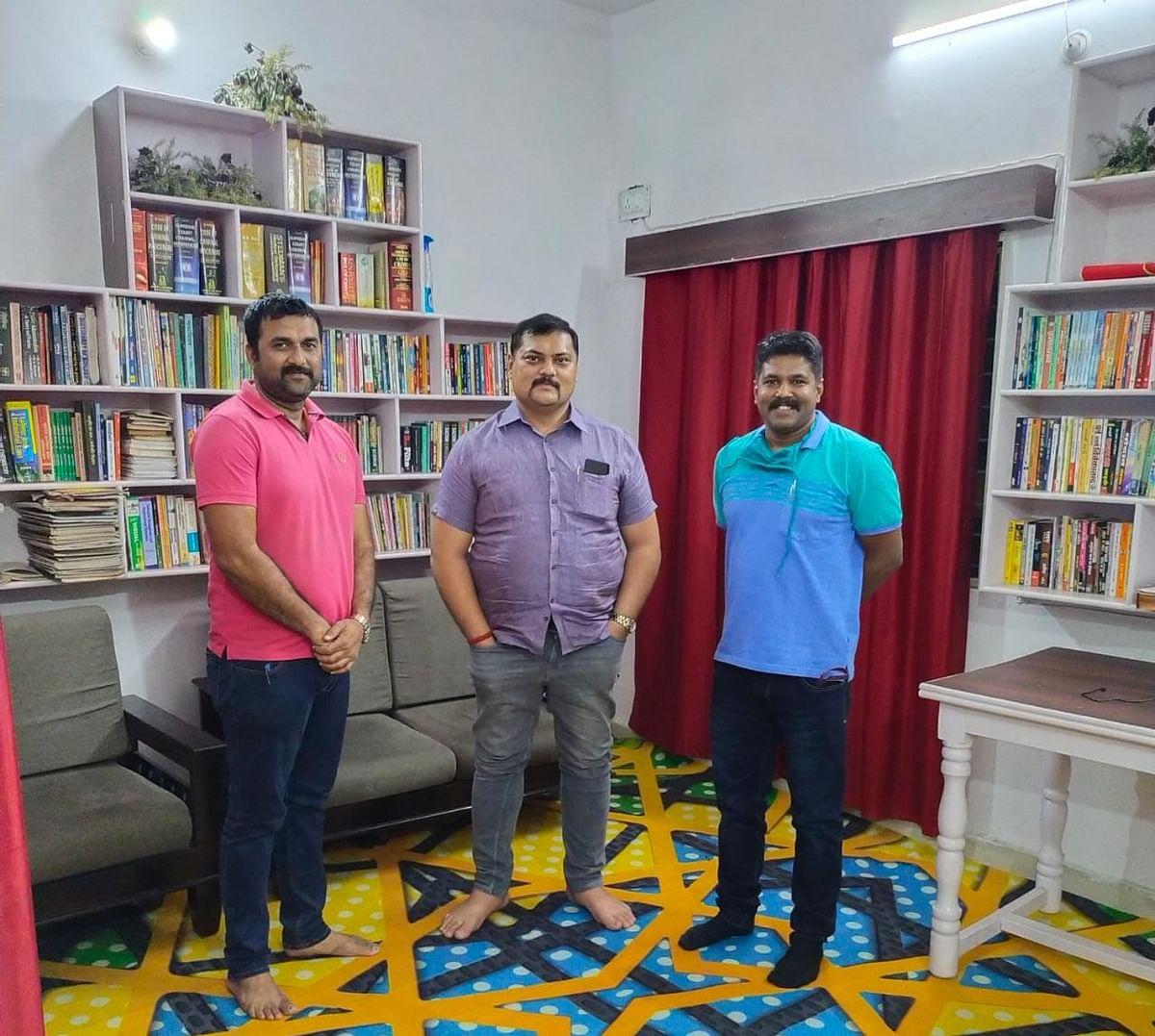 सिंगरौली जिले के मोरवा थाने का पुस्तकालय बना मिसाल, लग रही युवाओं की भीड़