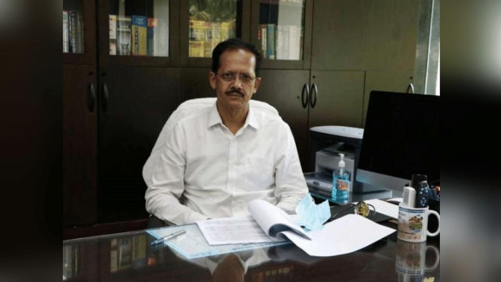 नरसिंहपुर: कलेक्टर वेदप्रकाश की अचानक बिगड़ी तबीयत, अस्पताल में किया भर्ती