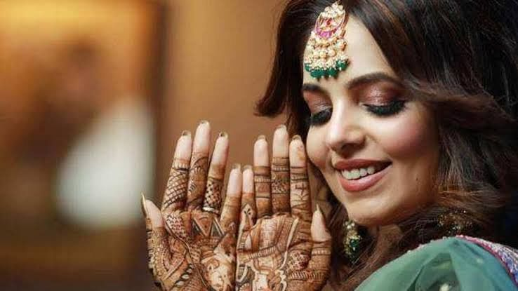 सुगंधा मिश्रा और संकेत की शादी की रस्में शुरू, सामने आई तस्वीरें