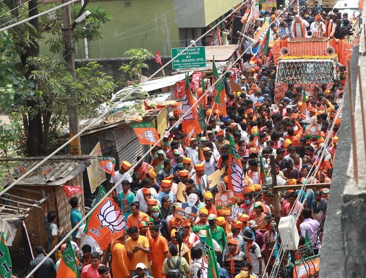 बंगाल में अमित शाह के ताबड़तोड़ रोड शो और कहा- प्रचंड बहुमत से खिलाएंगे कमल
