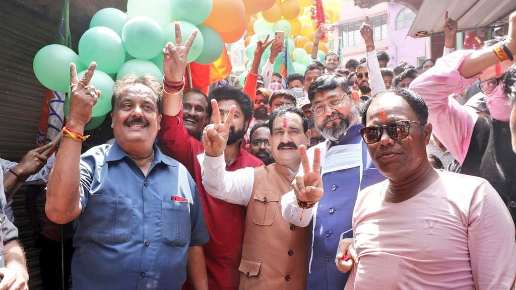मिश्रा ने बयान देते हुए 2 मई को बंगाल से ममता सरकार की विदाई का किया दावा