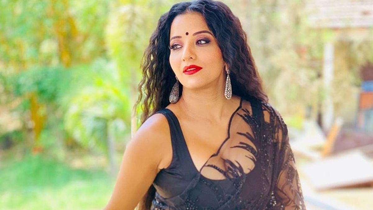 एक्ट्रेस मोनालिसा की कोरोना रिपोर्ट आई पॉजिटिव, घर पर हुईं क्वारंटीन