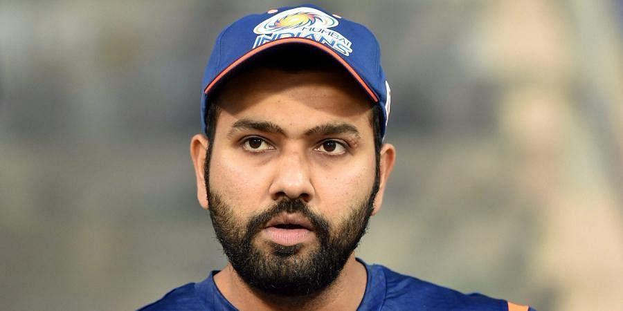 हमें मध्य ओवरों में बेहतर बल्लेबाजी करनी चाहिए थी : रोहित