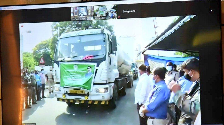 दिल्ली में ऑक्सीजन संकट- झारखंड ने बढ़ाया मदद का हाथ और भेजा 58 टन ऑक्सीजन