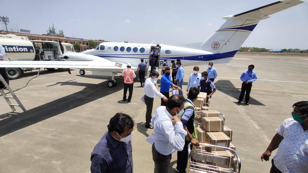 इंदौर एयरपोर्ट पर उतरी रेमडेसिविर की बड़ी खेप, यहाँ से कई जगह भेजे इंजेक्शन