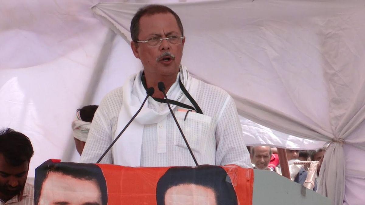 मरीजों को अकेला छोड़ दिया है प्रदेश सरकार ने : अजय सिंह