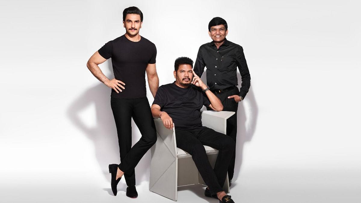 'अन्नियन' के हिंदी रीमेक में नजर आएंगे रणवीर सिंह, शंकर होंगे डायरेक्टर