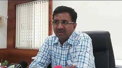 इंदौर में आज से कोरोना कर्फ्यू का कड़ाई से कराया जाएगा पालन: कलेक्टर मनीष