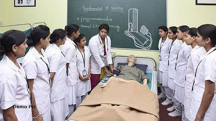 संक्रमण की रोकथाम के लिए ली जाएगी निजी BSC नर्सिंग छात्राओं की मदद,दिए आदेश