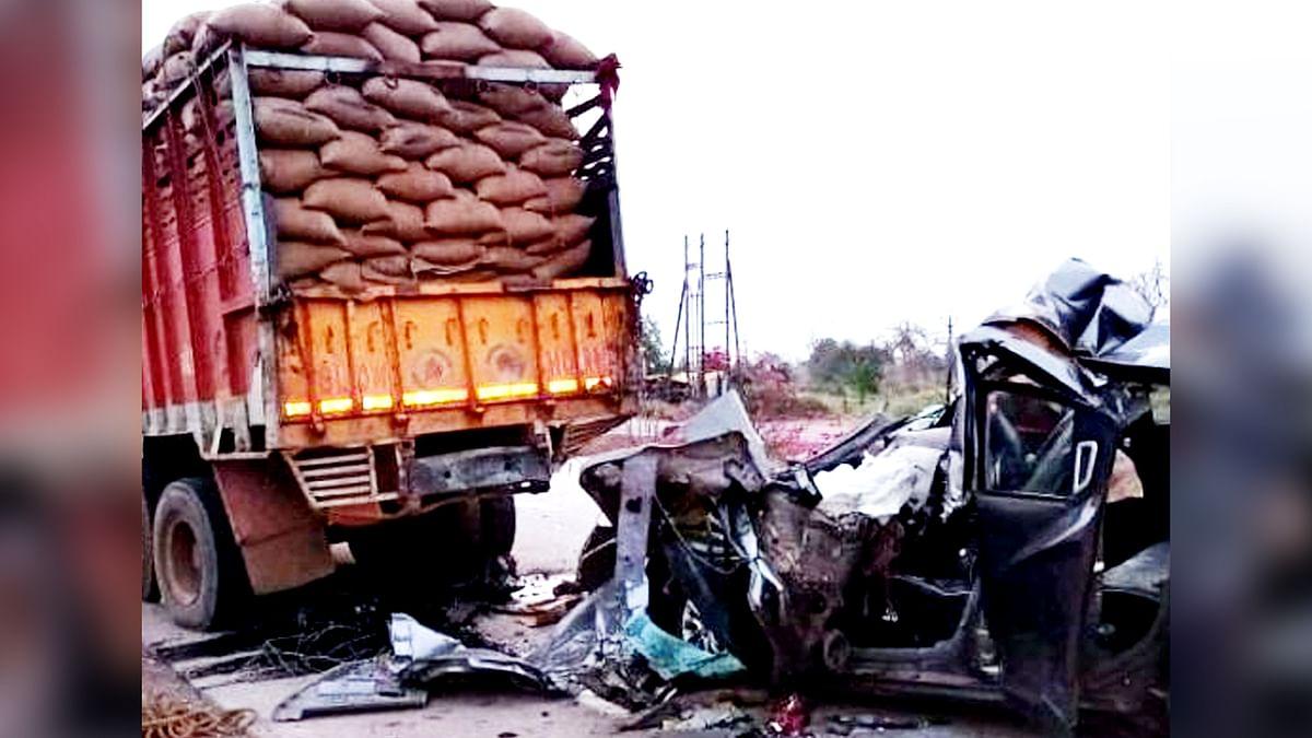 जबलपुर में भीषण हादसा: खड़े ट्रक से टकराई कार, हादसे में महिला आरक्षक की मौत