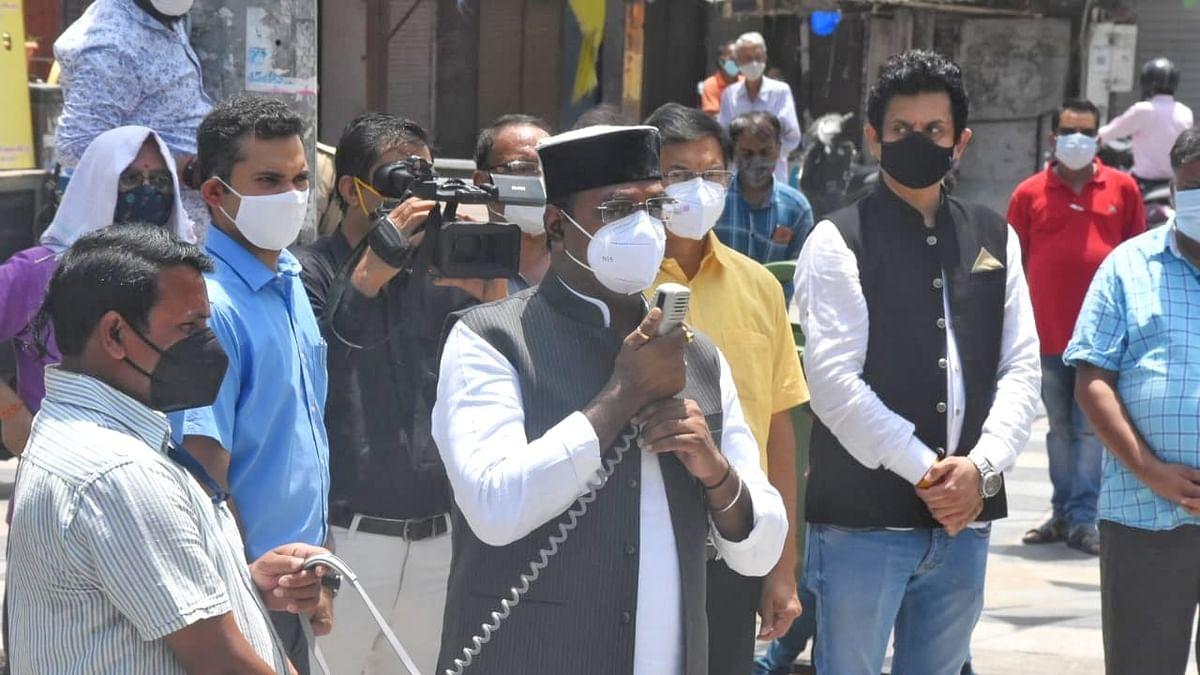 भोपाल: मंत्री विश्वास सारंग पहुंचे न्यू मार्केट, व्यापारी वर्ग को दी समझाइश