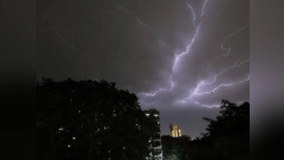 MP में तौकते तूफान का असर जारी, 13 जिलों में भारी वर्षा का ऑरेंज अलर्ट जारी