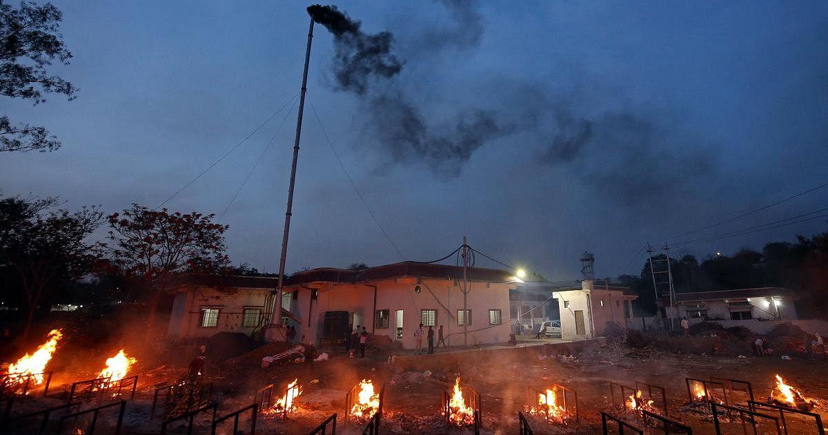 दमोह: चुनाव ड्यूटी पर तैनात 17 शिक्षकों की कोरोना से मौत, चपेट में आए 200