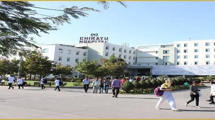 चिरायु अस्पताल के वीडियो केस में कलेक्टर का सख्त रुख, किया नोटिस जारी