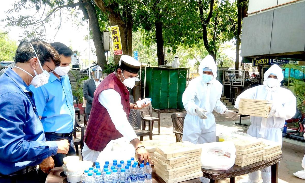 मंत्री विश्वास सारंग की मौजूदगी में स्वास्थ्य आहार सेवा का हुआ शुभारंभ