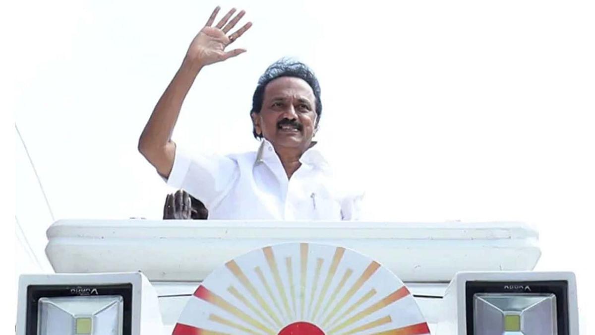 तमिलनाडु चुनाव में DMK ने मारी बाजी- स्टालिन को बधाई देने वालों का तांता