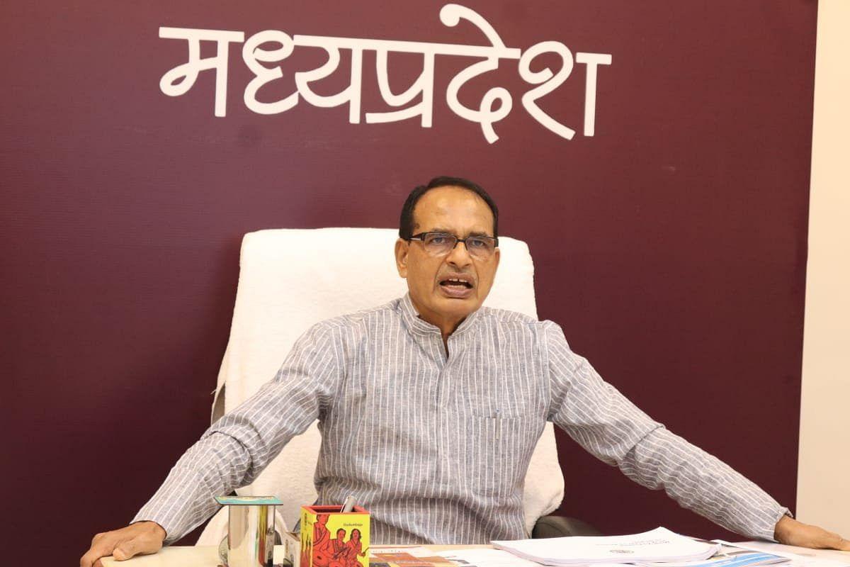 CM ने दिए निर्देश, ग्रामीण क्षेत्रों में कोरोना को प्रभावी ढंग से रोकें