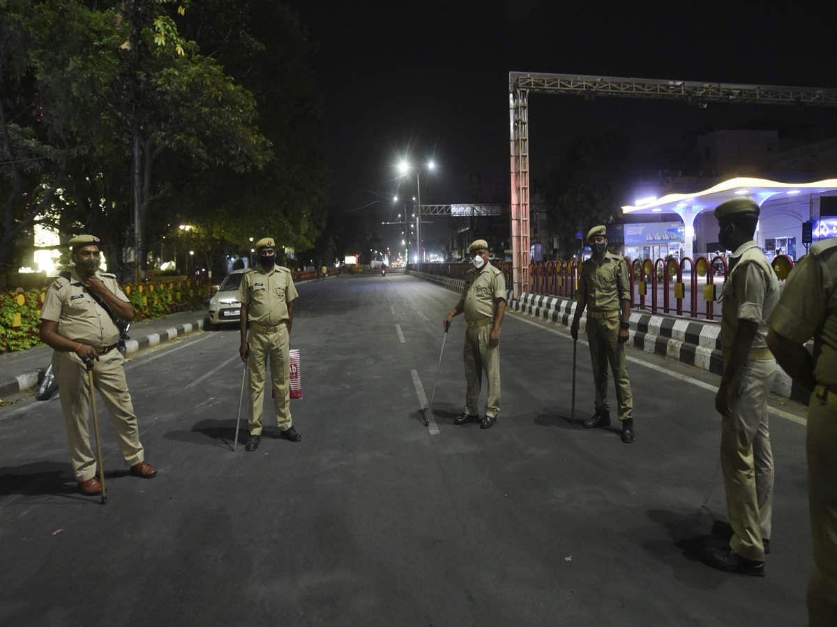 कोरोना का कहर तेज- अब आंध्र प्रदेश में 14 दिनों के आंशिक कर्फ्यू का ऐलान