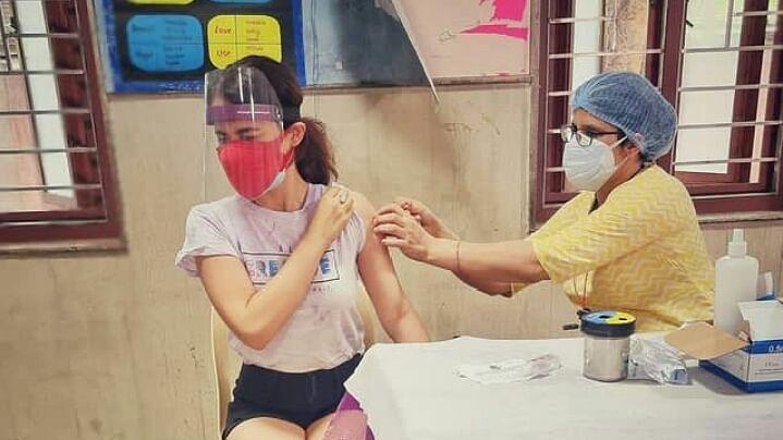 एक्ट्रेस राधिका मदान ने लगवाई कोरोना वैक्सीन, पोस्ट शेयर कर दी जानकारी