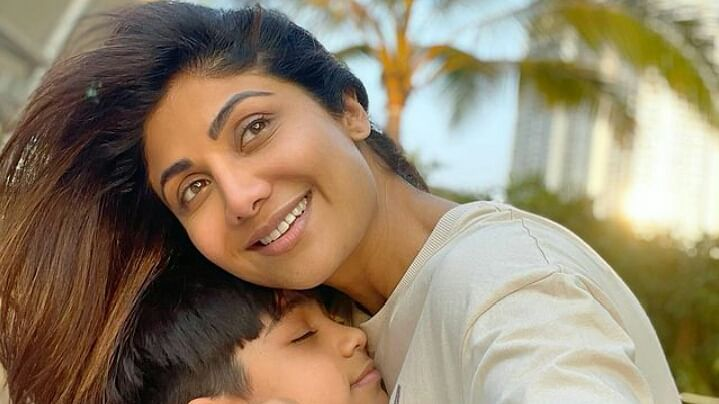 शिल्पा शेट्टी ने बेटे के बर्थडे पर दिया खास तोहफा, घर लेकर आईं नन्हा मेहमान