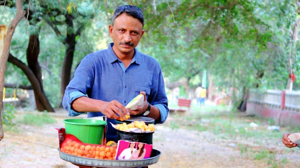 Mirzapur एक्टर राजेश सड़क पर बेच रहें हैं राम लड्डू, फोटो देख फैंस हुए हैरान