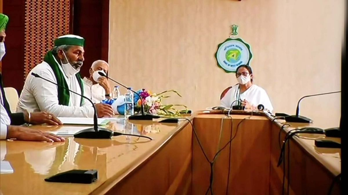 कृषि और किसानों से जुड़े मुद्दों को लेकर बंगाल CM से राकेश टिकैत की मुलाकात