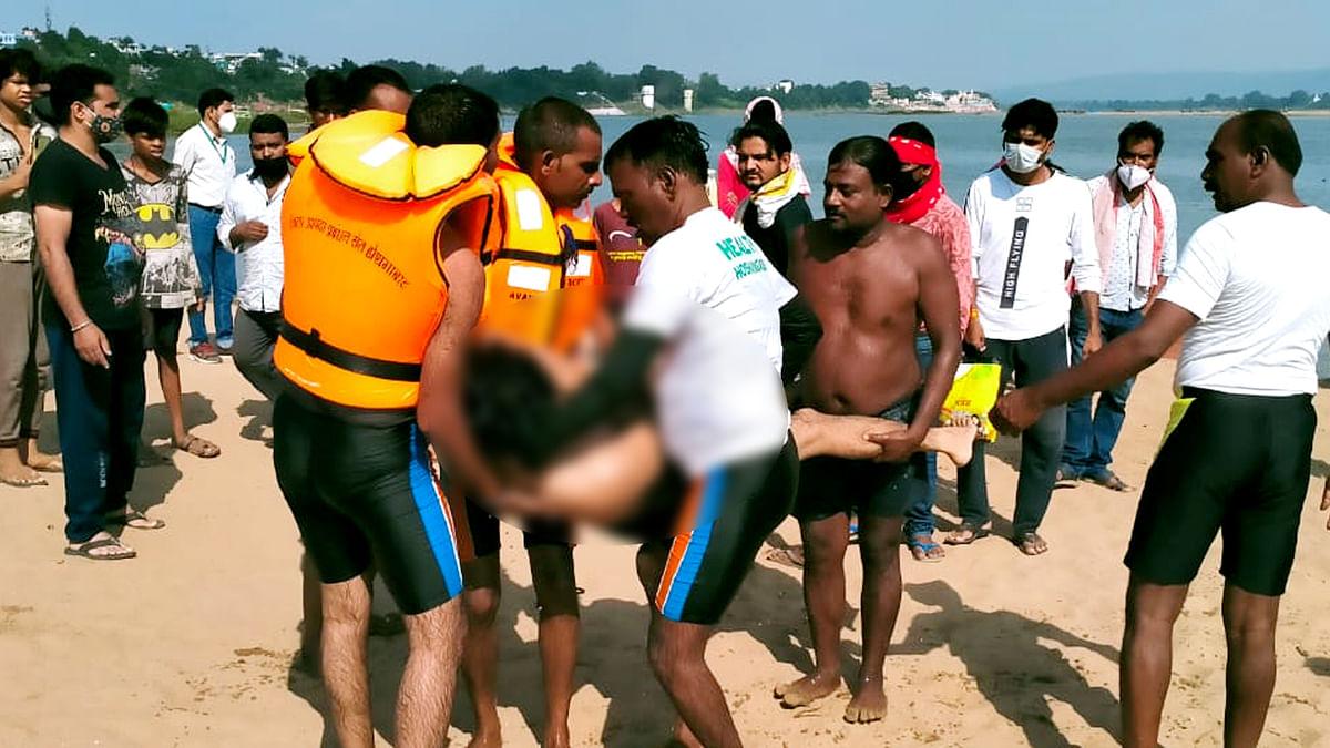 होशंगाबाद: नर्मदा नदी में डूबने से युवक की मौत, रेस्क्यू के बाद निकाला शव