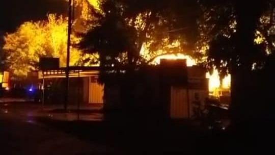 भोपाल : गोविंदपुरा में ट्रांसफार्मर की दो फैक्ट्रियों में लगी भीषण आग