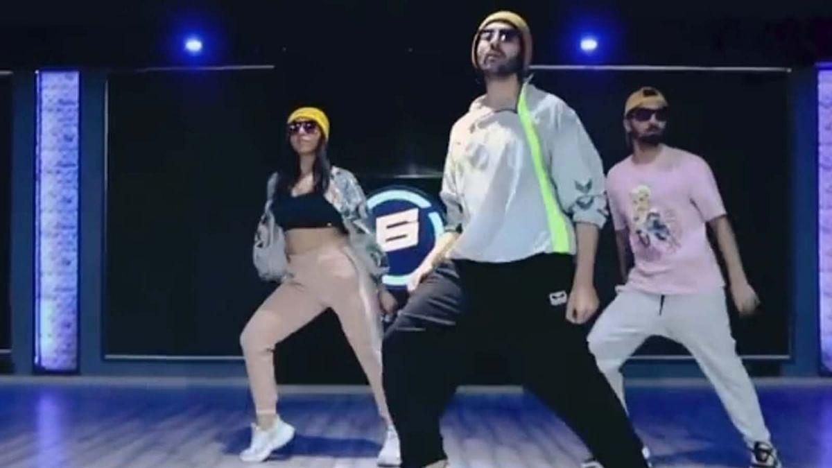 कार्तिक आर्यन ने किया 'Butta Bomma' गाने पर जोरदार डांस, वायरल हुआ वीडियो