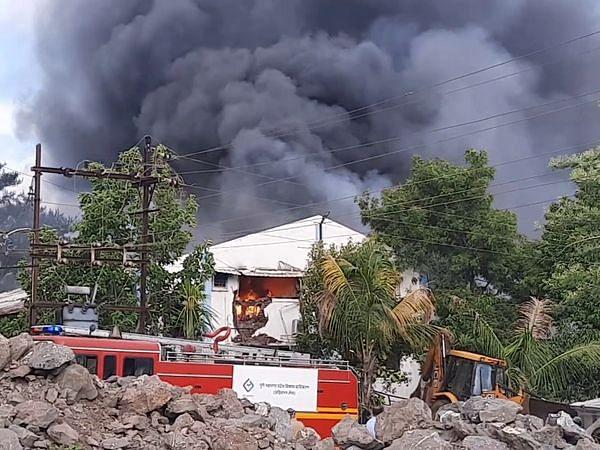 पुणे की सैनेटाइजर फैक्ट्री में मचा आग का तांडव, 8 महिलाओं की मौत