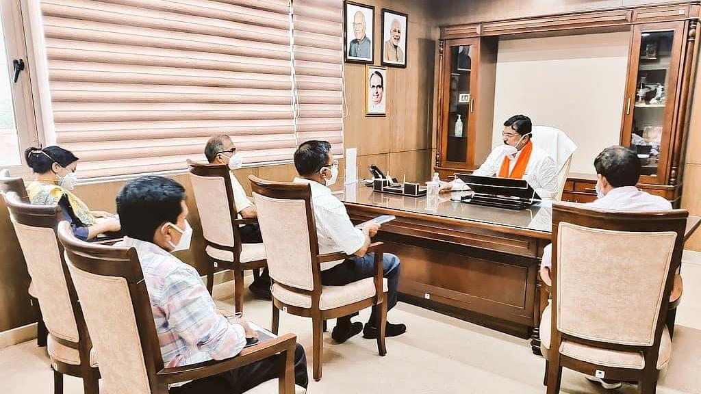 मंत्रालय में मंत्री पटेल ने खरीफ फसलों की बुआई को लेकर की समीक्षा बैठक
