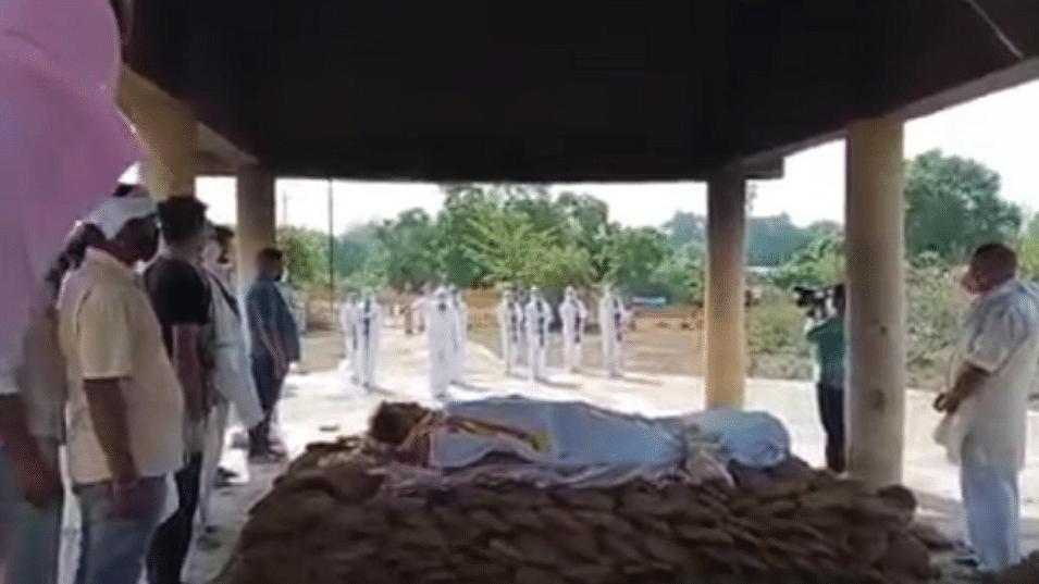 पूर्व मंत्री लक्ष्मीकांत शर्मा का राजकीय सम्मान के साथ हुआ अंतिम संस्कार