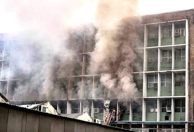 दिल्ली एम्स में भभकी आग- इमरजेंसी वार्ड से मरीजों को तत्काल बाहर निकाला