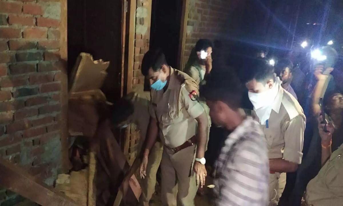 आगरा में निर्माणाधीन मकान की छत गिरने से तीन बच्चों की मृत्यु, छह घायल