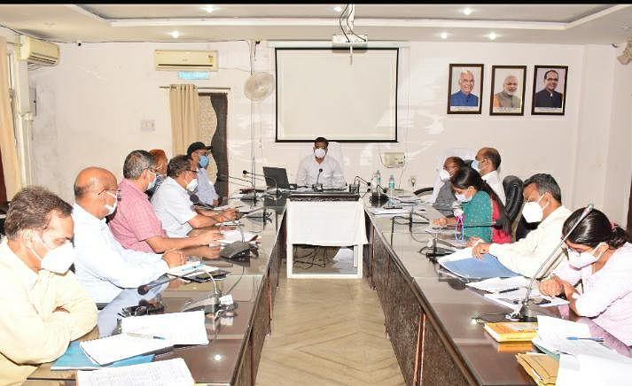 आपदा प्रबंधन की टीम हर समय रहे तैयार : राजीव रंजन मीना