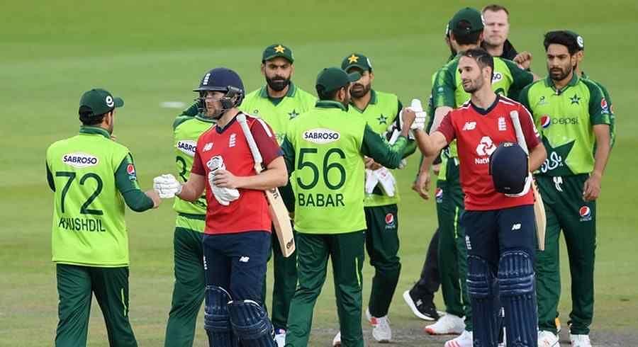 Cricket : England ने Pakistan को नौ विकेट से पीटा