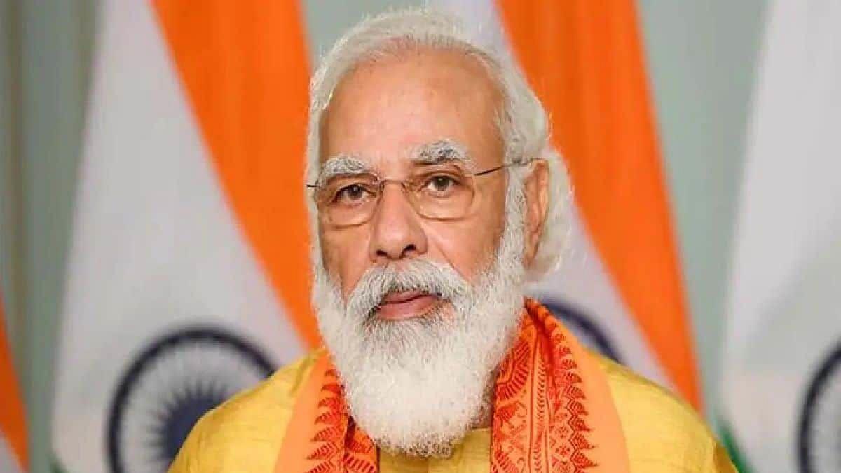 PM मोदी ने वाराणसी दौर के दौरान किया करोड़ों की विकास योजना का शिलान्यास
