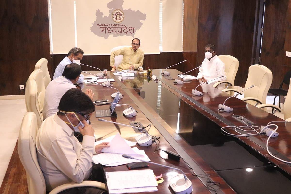 कोरोना समीक्षा बैठक: मुख्यमंत्री ने कुछ और गतिविधियों में छूट का किया फैसला