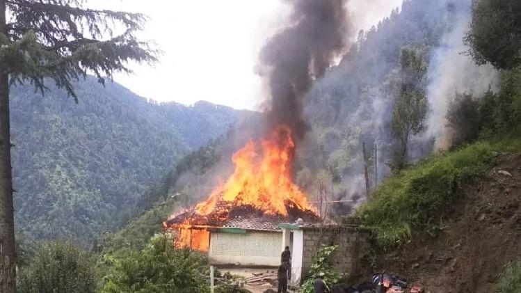केरल : पल्लकड़ जिले में पोल्ट्री आहार संयंत्र में तेल रिसाव से विस्फोट