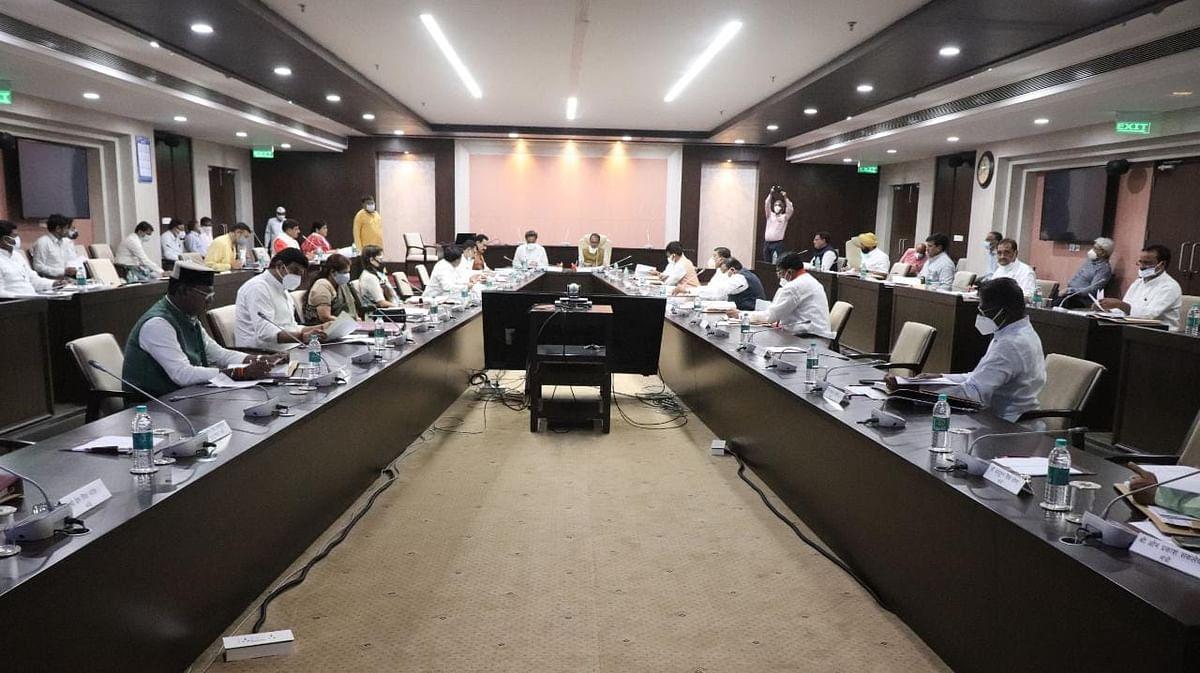 CM की कैबिनेट बैठक शुरू, गैस पीड़ितों की पेंशन समेत कई प्रस्तावों पर चर्चा